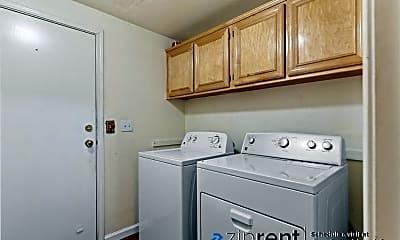 Kitchen, 3331 Midtown Pl, 2