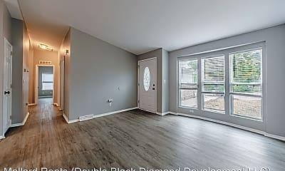 Living Room, 5470 Magnolia St, 1