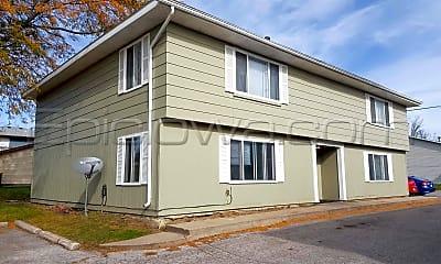 Building, 775 Robins Rd, 2