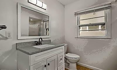 Bathroom, 426 Hiering Ave, 2