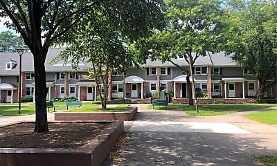 Crescent Court, 0