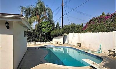 Pool, 207 E. Woodstock Ave., 1