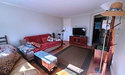 Living Room, 34 Gill Rd C, 2