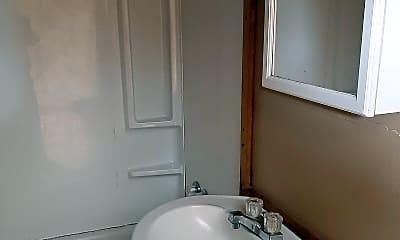 Bathroom, 416 Shawnee Ave W, 2