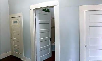 Bedroom, 211 E Kingsbury St, 2