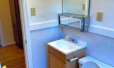 Bathroom, 2814 Marlowe Ave, 2
