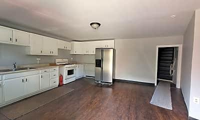 Living Room, 1144 Woods Run Ave, 1