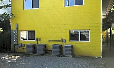 Building, 525 N Limestone, 2