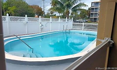 Pool, 2775 Taft St 201, 2