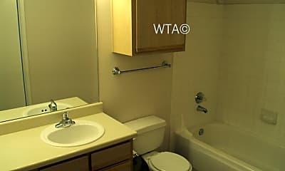 Bathroom, 403 Heimer Rd, 2