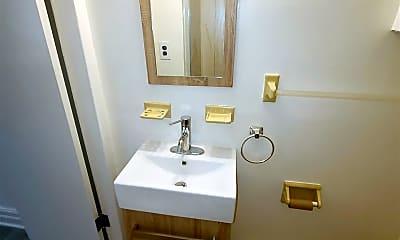 Bathroom, 66-22 Saunders St, 2