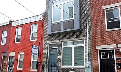 Building, 1330 S Bancroft St, 1