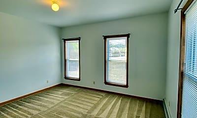 Bedroom, 605 W Cross St, 2