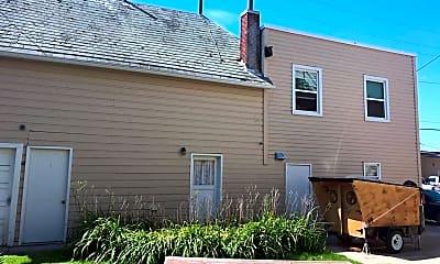 Building, 319 E Pine St, 1