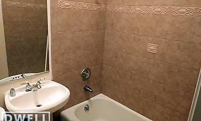 Bathroom, 1023 N Dearborn St, 2