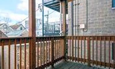 Patio / Deck, 1107 N Wood St, 2