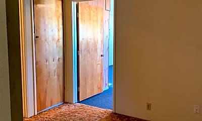 Living Room, 975 Van Dorsten Ave, 2