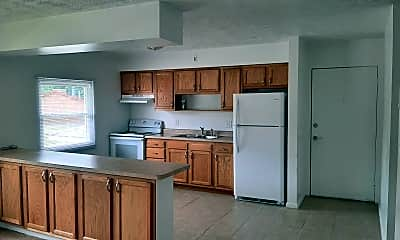 Kitchen, 140 Lynwood Manor, 0