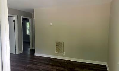 Living Room, 2000 Lasalle St, 1