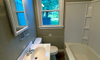 Bathroom, 1919 Drexel Ave, 2