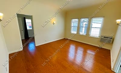 Living Room, 6642 Fountain Ave, 0