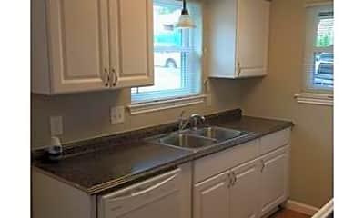 Kitchen, 1315 Quail Trail, 1