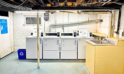Kitchen, 2832 Monument Ave, 2