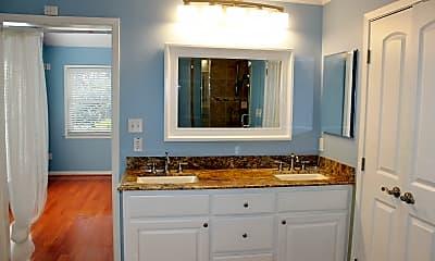 Bathroom, 705 S Baylor St, 2