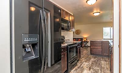 Kitchen, Heritage Townhomes, 1