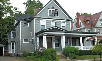 Living Room, 156 Lafayette Ave NE, 2