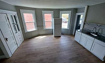 Living Room, 34 Beatty St, 2