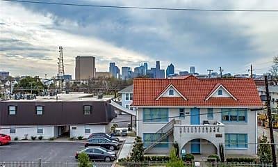 1502 Bennett Ave 206, 2