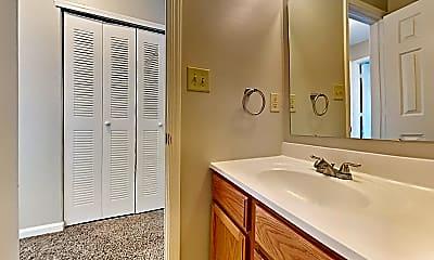 Bathroom, 6696 Dunsdin Dr, 2