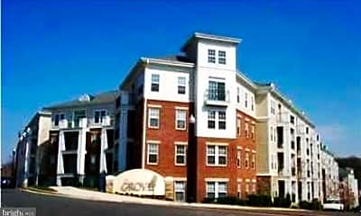 Building, 2465 Army Navy Dr 205, 2