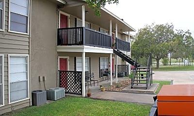 Building, Lancaster Living Apartments, 2