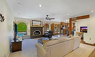 Living Room, 14415 N 62nd St, 1