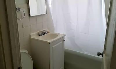 Bathroom, 3220 Blaisdell Ave, 2