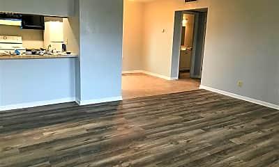 Living Room, 520 E Lagrange St, 1