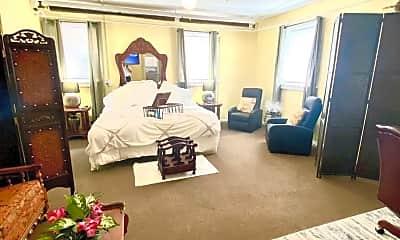 Living Room, 580 E Town St, 0