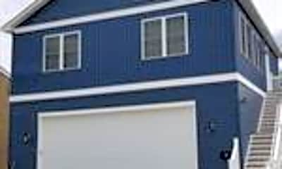 Building, 422 Centerville Rd B, 0