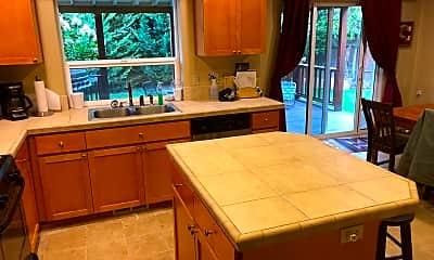 Kitchen, 605 E Columbia Dr, 2