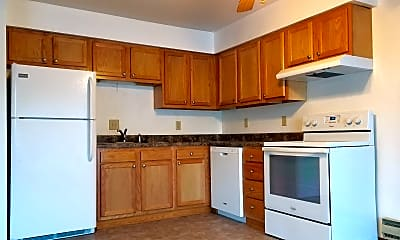 Kitchen, 2720 Summer Dr, 0
