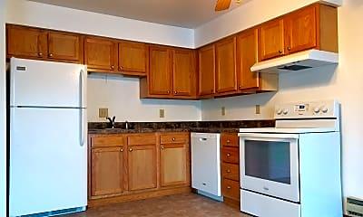 Kitchen, 2720 Summer Dr, 0