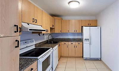 Kitchen, 1420 Brickell Bay Dr, 2