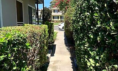 Building, 734 E Magnolia Blvd, 2