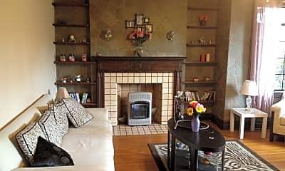 Living Room, 1029 10th St, 1
