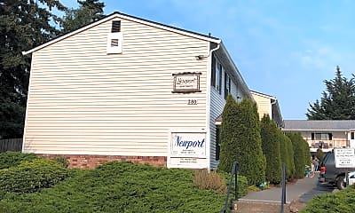 Newport & Chelsea Apartments, 1