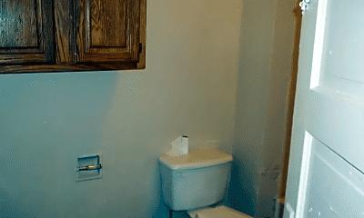 Bathroom, 1108 N Waco Ave, 2