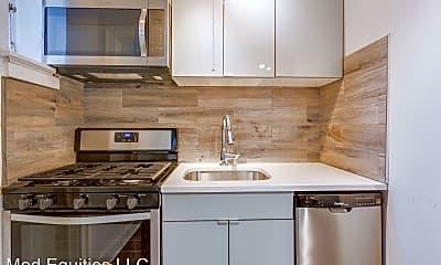Kitchen, 91 Howe St, 2