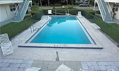 Pool, 548 4th Ave S 8, 2
